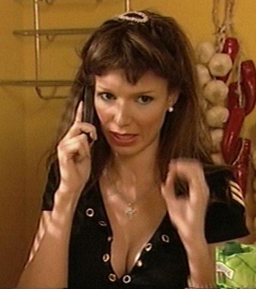 Alina chivulescu bela la bloc erotic scene 10